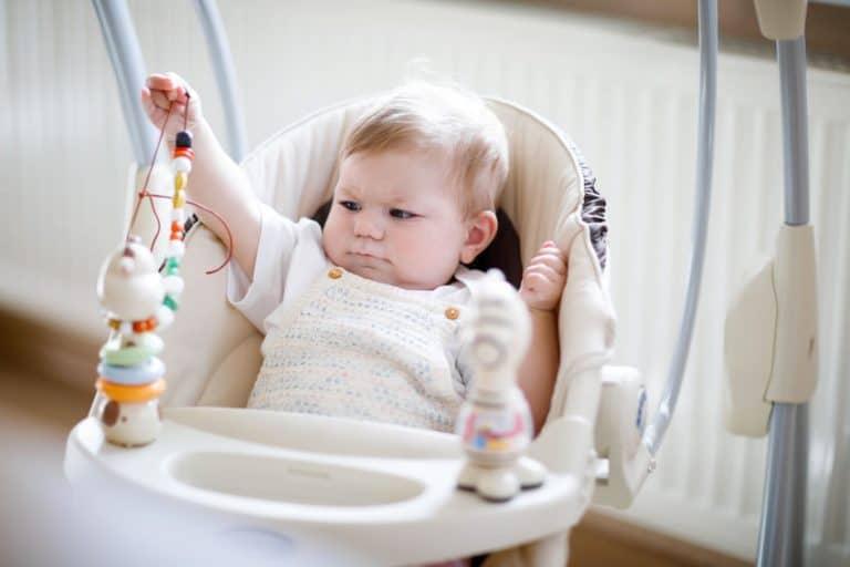 Bebé en hamaca