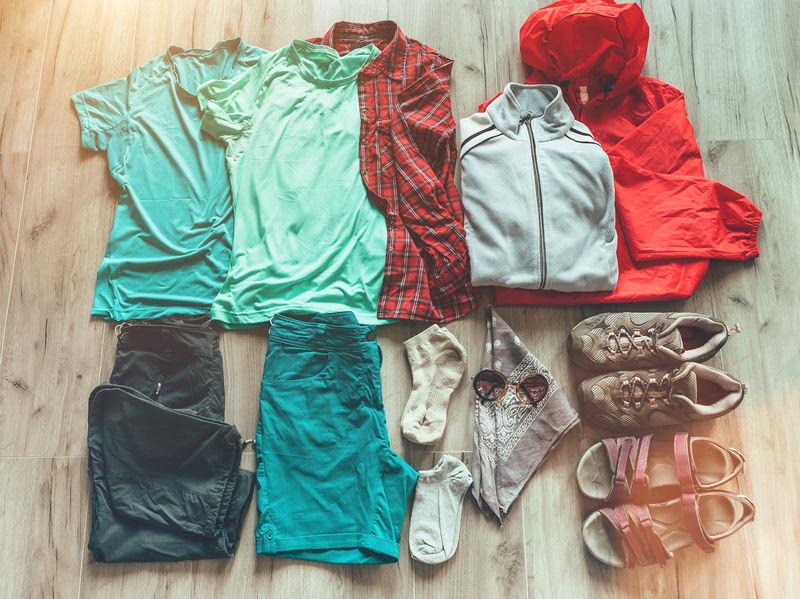 ropa para acampar
