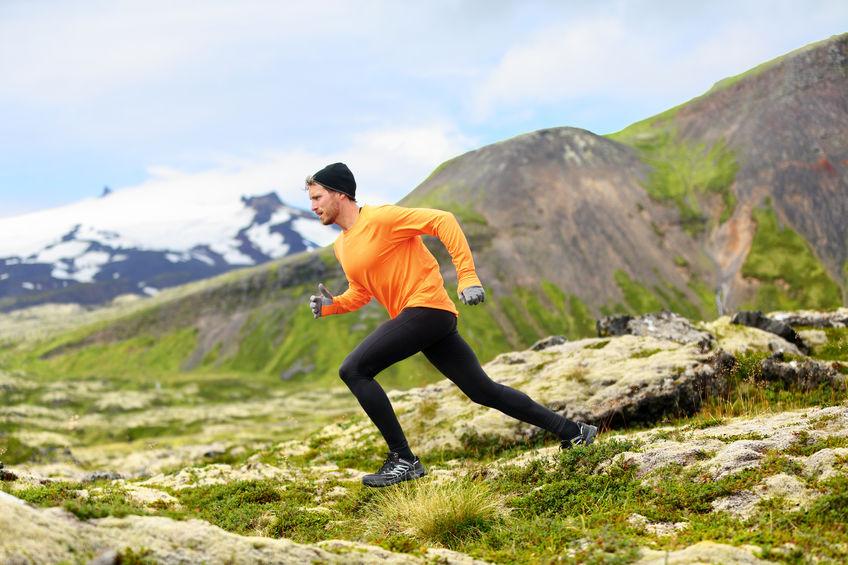 runner en las montañas