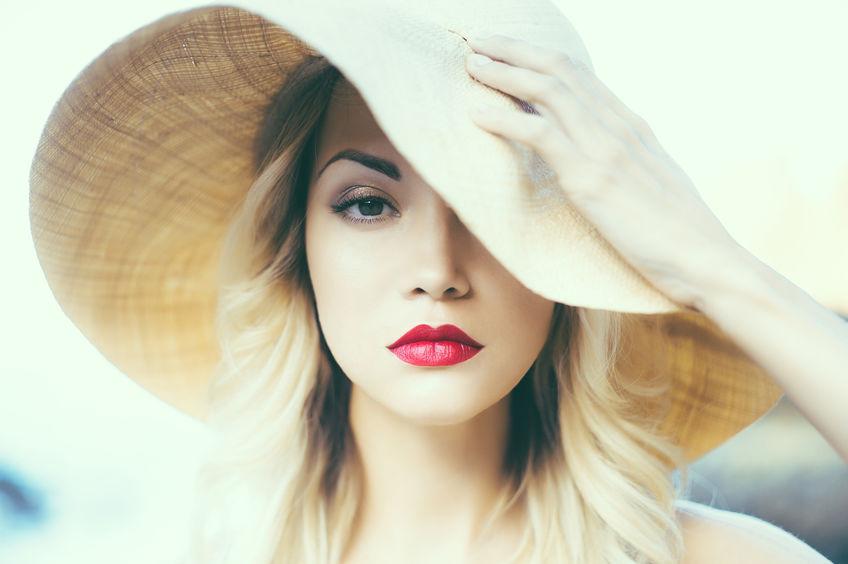 chica de labios rojos