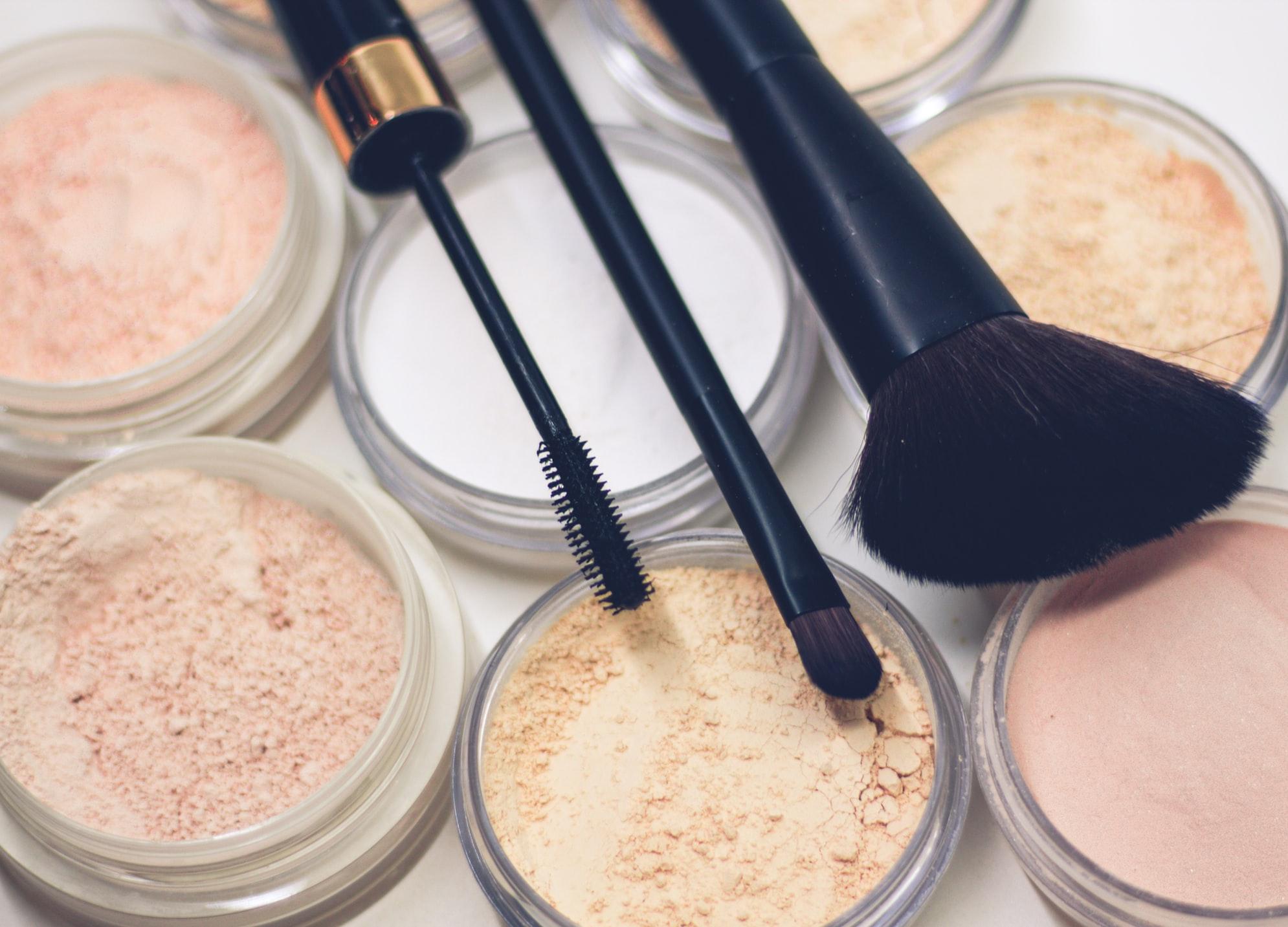 maquillaje y herramientas