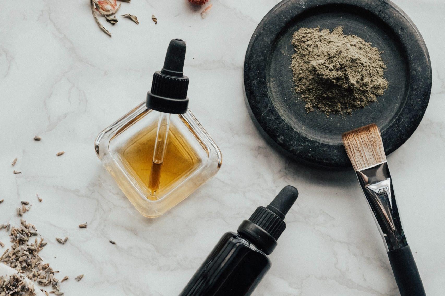 Proceso de elaboración de varios aceites