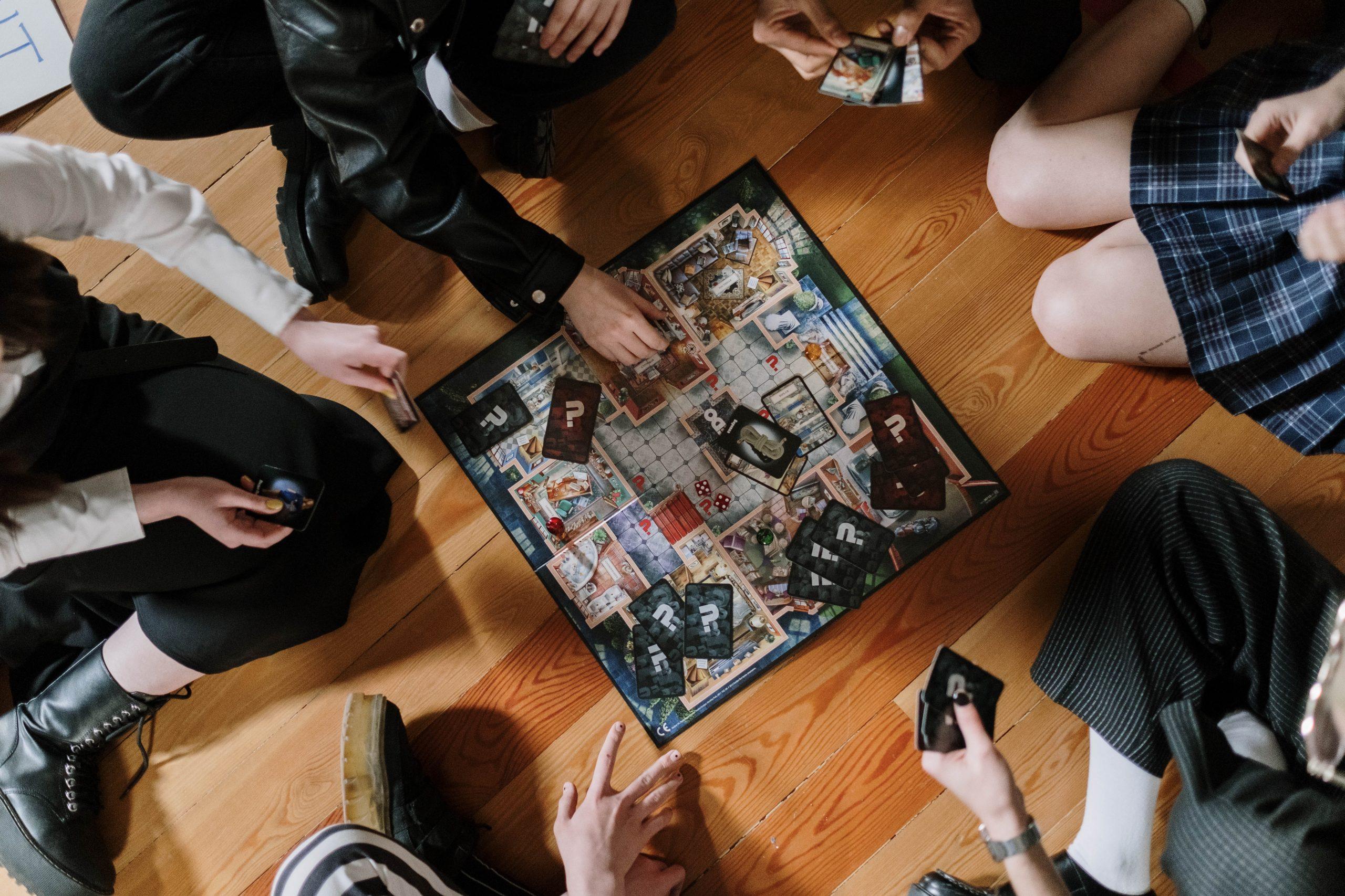 amigos jugando