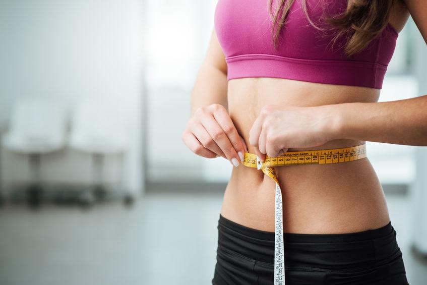 midiendo cintura
